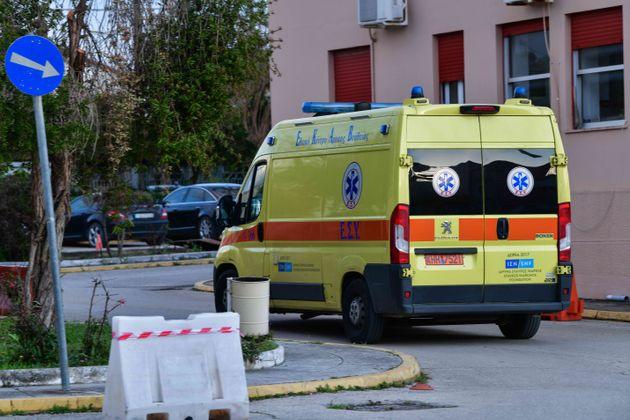 Κορονοϊός: Ύποπτο κρούσμα το «έσκασε» από το Νοσοκομείο