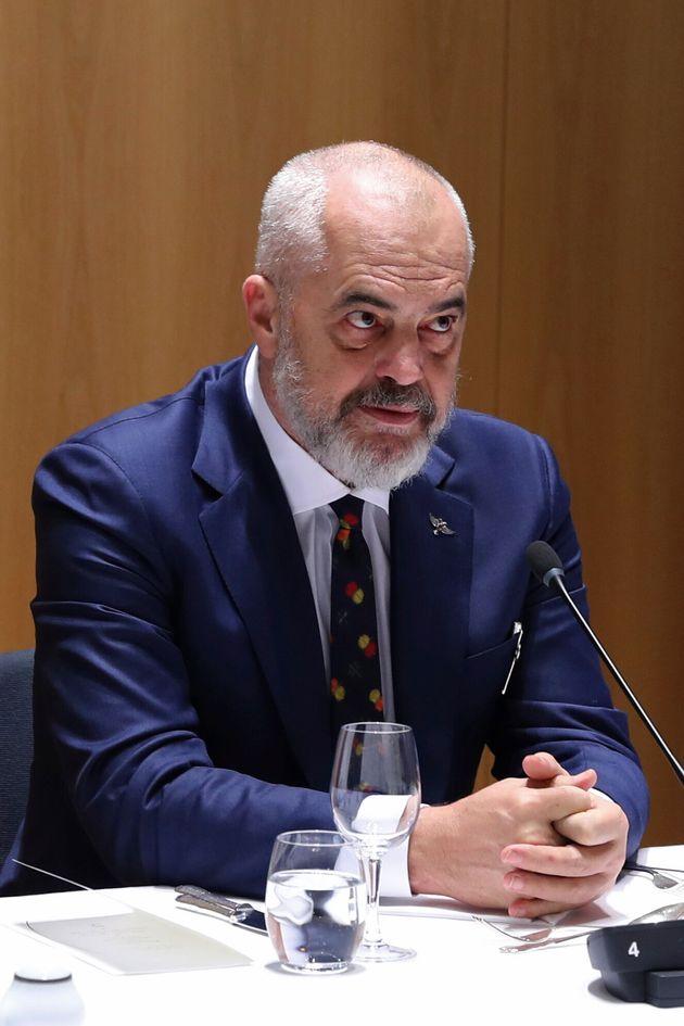 Κορονοϊός: Η Αλβανία κλείνει τα σύνορα με την