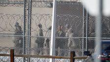 な訪問は、連邦刑務所入国管理センターのための今後30日間の