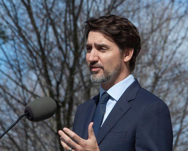 Le premier ministre Justin Trudeau tient une conférence de presse à Ottawa, le vendredi 13 mars 2020...