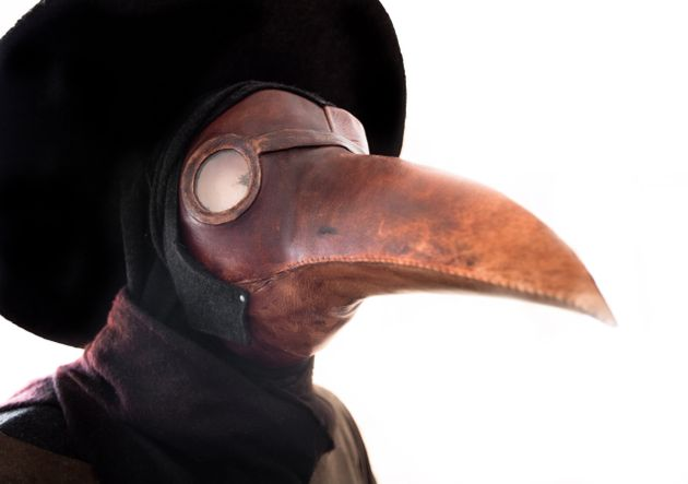 Una máscara usada por los médicos italianos para protegerse de la