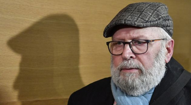 L'ex-père Bernard Preynat, ici le 17 janvier au palais de justice de Lyon, a été...