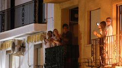 Italians And Spaniards Applaud Doctors And Nurses From Their Balconies Amid