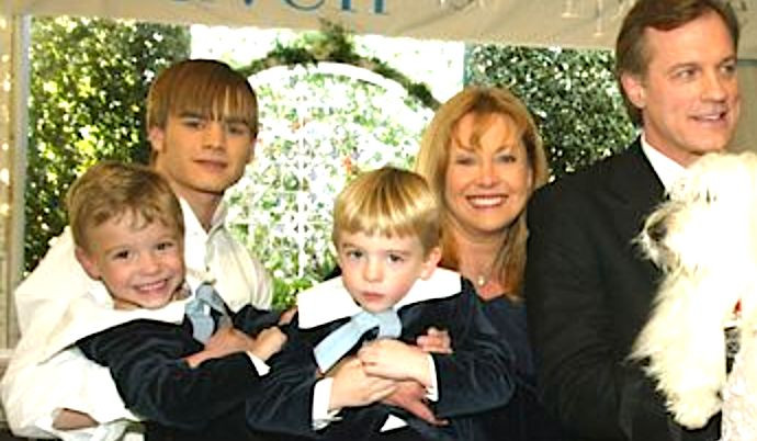 Actors (L to R) David Gallagher, twins Lorenzo and Nikolas Brino, Catherine Hicks and Stephen Collins pose at a reception to