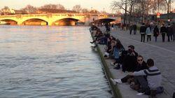 Los parisinos ignoran la orden de cuarentena y salen a disfrutar del buen