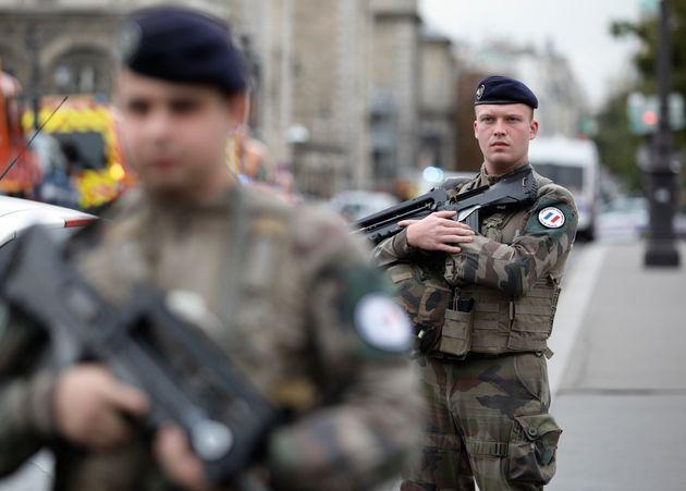 Coronavirus: Macron annonce qu'en Alsace un hôpital militaire sera