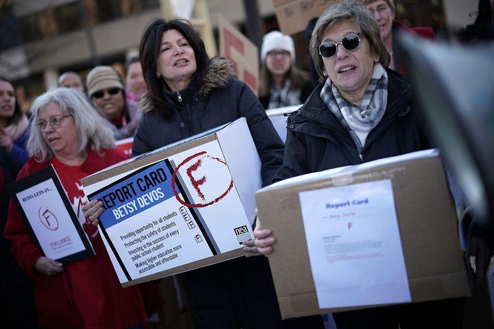 American Federation of Teachers President Randi Weingarten (right) and National Education Association President Lily Eskelsen