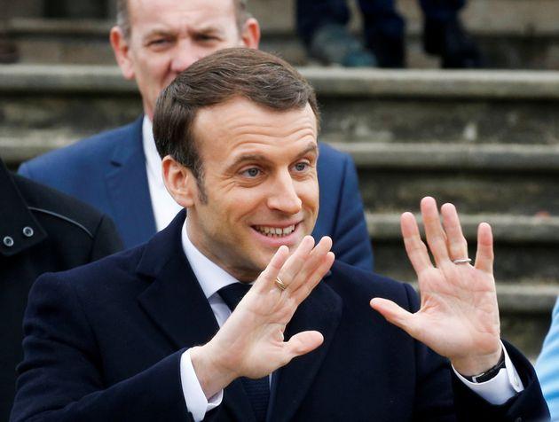 """Emmanuel Macron, ici au Touquet le 15 mars 2020, a indiqué que """"les trajets nécessaires..."""