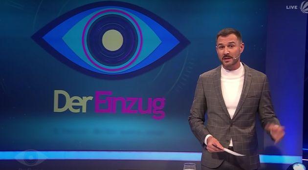Jochen Schropp presents the German version of the