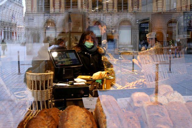 Coronavirus: Les boulangeries pourront être ouvertes tous les jours (photo prise à Lille,...