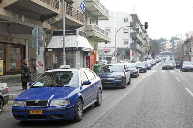 Θεσσαλονίκη: Απολύμανση στα ταξί και πατέντες για τον