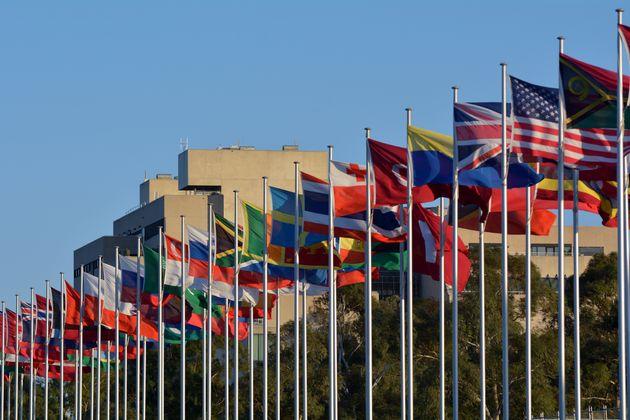 Prime lezioni per la comunità internazionale dal
