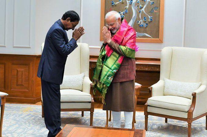 Telangana CM K Chandrashekar Rao and Prime Minister Narendra Modi
