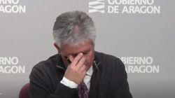 El director de la Sanidad aragonesa rompe a llorar en plena rueda de prensa sobre el
