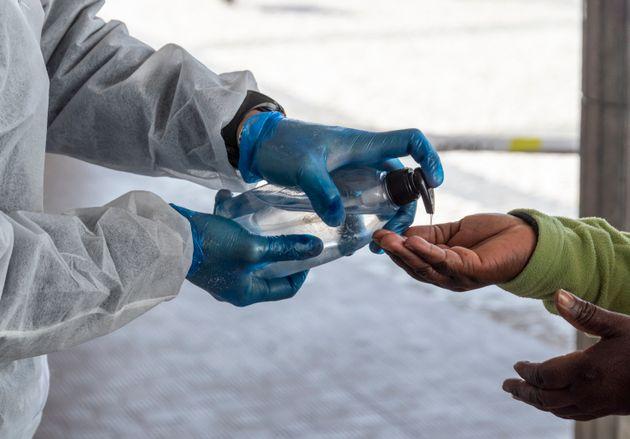 Pernod Ricard donne 70.000 litres d'alcool pour fabriquer du gel hydroalcoolique (photo