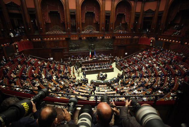 Eppur si muove: il Parlamento riapre. Ma la Lega rompe la tregua e fa ostruzionismo sul