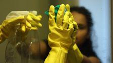 Haus-Reiniger Sind Aus Der Arbeit Und Ungeschützt Inmitten Der Corona-Virus-Pandemie