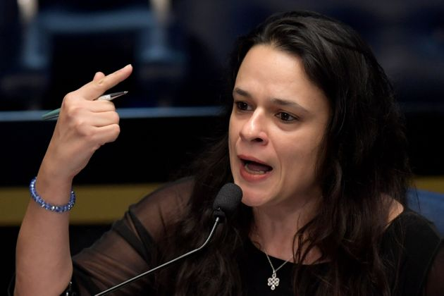 A deputada estadual Janaina Paschoal, durante votação do impeachment da ex-presidente Dilma...