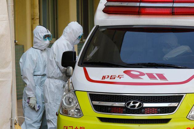 자료사진: 대구의 한 병원에서 일하고 있는 의료