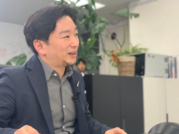 「マザーハウス」の山崎大祐副社長
