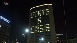 Il Pirellone torna a illuminare Milano con la scritta