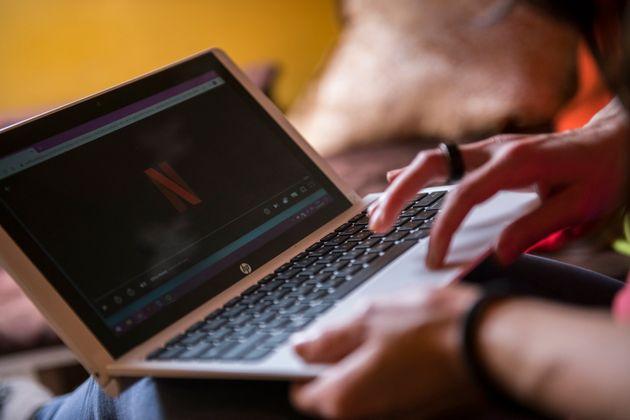 Εκκληση Ε.Ε. σε Netflix για streaming σε χαμηλότερη ανάλυση - Κίνδυνος κατάρρευσης του