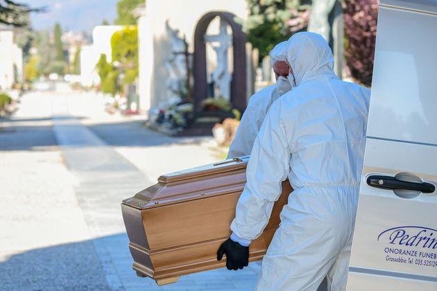 Italia confirma 3.405 muertes por coronavirus y supera a