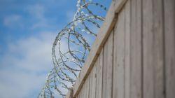 En pleine crise du coronavirus, des détenus montent sur le toit de la prison