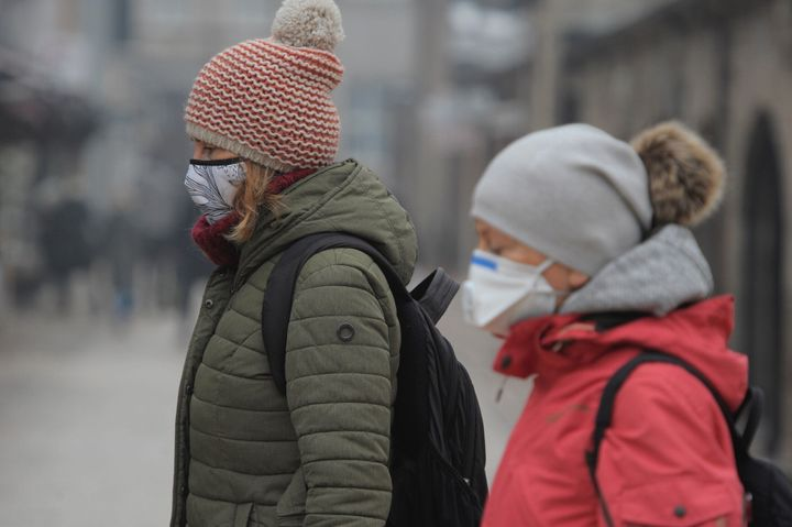 Experts warn that air pollution, linked to the burning of oil, gas and coal, is likely to increase the death rate from coronavirus infections.
