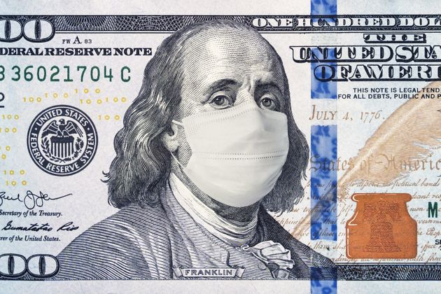 Symbole de la crise économique mondiale provoquée par le coronavirus: un billet de 100...