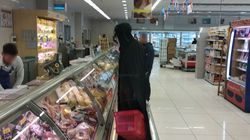 Ο Darth Vader πάει σούπερ μάρκετ εν μέσω