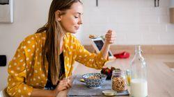 Πώς να τρώμε υγιεινά όταν εργαζόμαστε εξ