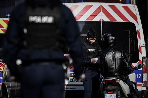 En Seine-Saint-Denis et dans le Pas-de-Calais, une dizaine de personnes ont été placées...