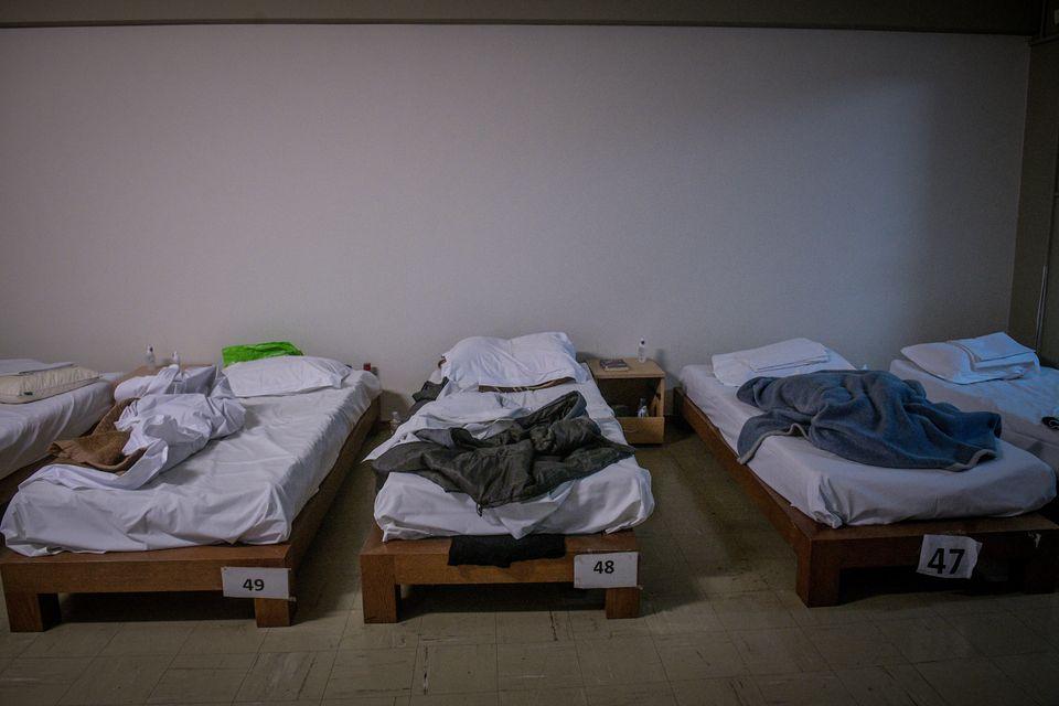 #μενουμεσπιτι αλλά αν δεν έχουμε τι γίνεται; Μια νύχτα στο υπνωτήριο αστέγων των Γιατρών του