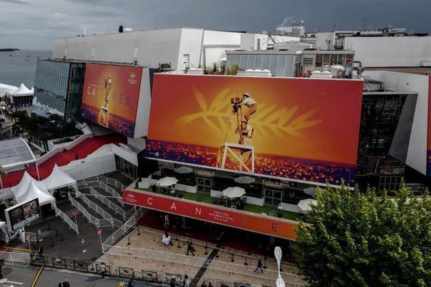 À Cannes, le Palais des festivals a été transformé en centre d'accueil pour SDF (photo d'illustration...