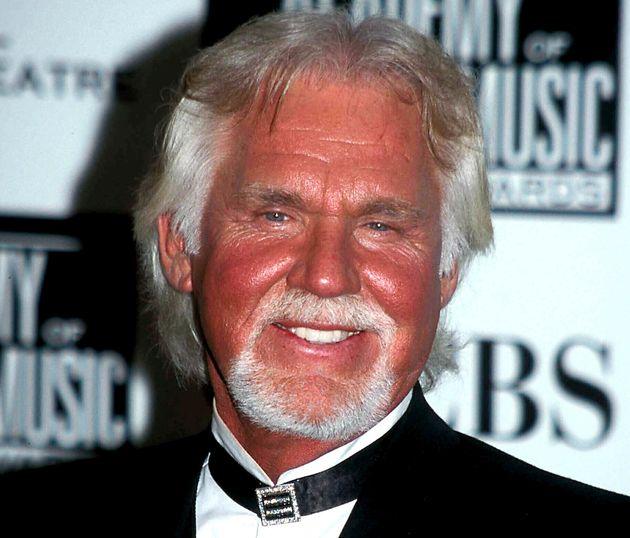 Kenny Rogers, photographié ici en 2001, est mort à 81