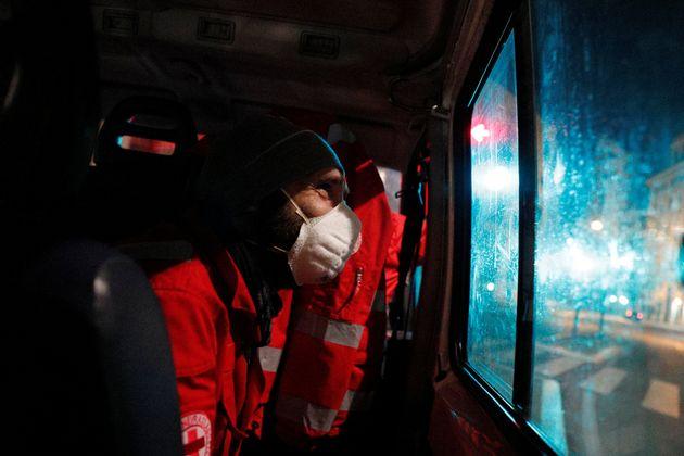 Κορονοϊός: Χωρίς φως στην άκρη του τούνελ η Ιταλία - Ρεκόρ νέων κρουσμάτων και ασθενών και στην