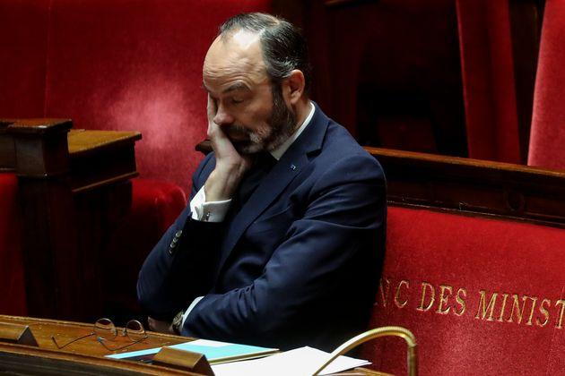 In Francia i medici denunciano il governo: