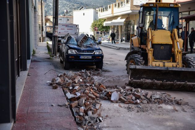 Ζημιές από το σεισμό στο Καναλλάκι