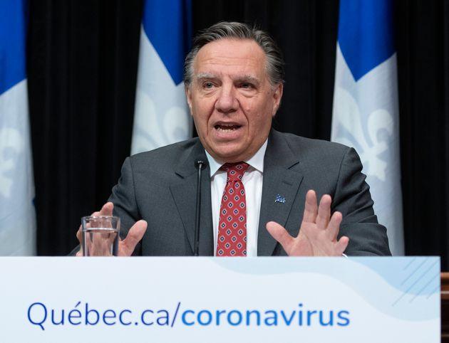 Le premier ministre du Québec, François Legault, répond aux questions des journalistes lors de la conférence...