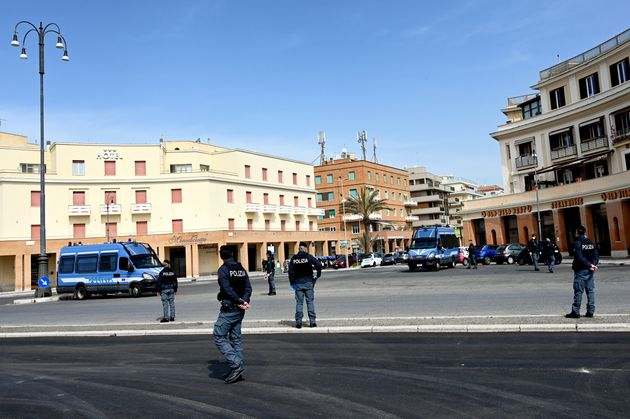 Οι ιταλικές αρχές περιπολούν...