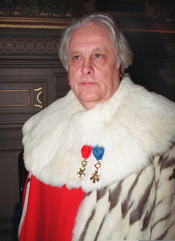 """Le magistrat Pierre Truche est mort dans la nuit de vendredi à samedi 21 mars à l'âge de 90 ans. En 1987, il fût procureur général près la cour d'appel de Lyon au procès de Klaus Barbie, l'ex-chef de la Gestapo de Lyon, qui fut déclaré coupable d'avoir organisé la déportation de centaines de juifs. """"Je vous demande qu'à vie Barbie soit reclus"""", lance-t-il au terme de son réquisitoire. Sobre et ferme, à son image, la phrase est devenue historique dans le monde judiciaire. >>>> Plus d'informations dans notre article ici"""