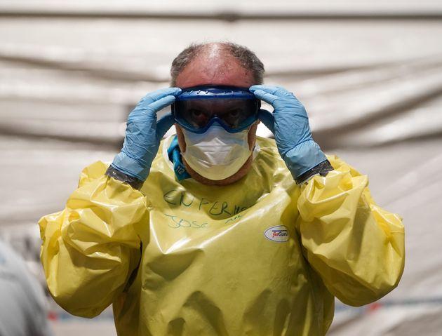 España suma ya 28.572 contagios y 1.720