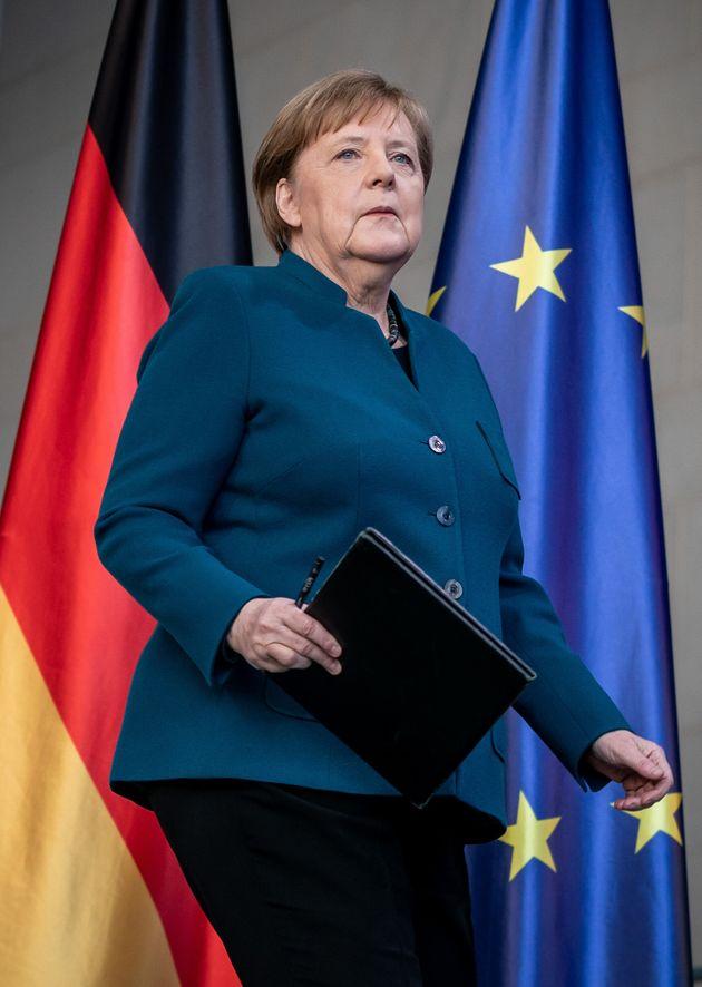 Coronavirus, Angela Merkel è in