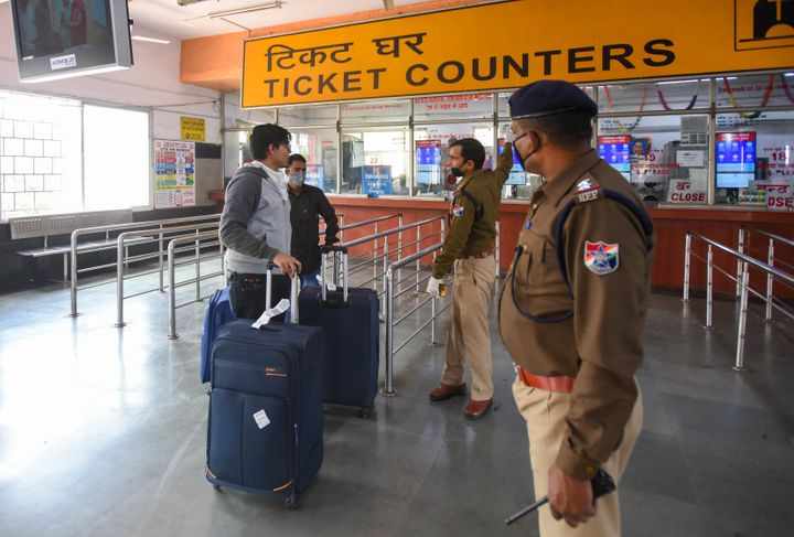 Police personnel at the Nizamuddin Railway Station, on March 22, 2020 in New Delhi.