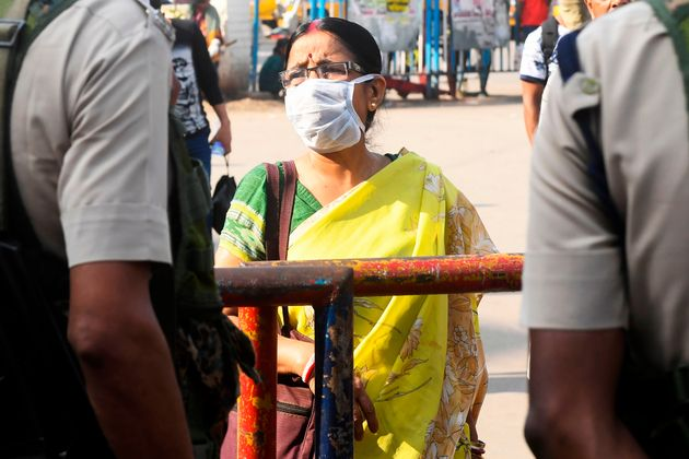 Coronavirus In Lockdown West Bengal: 7 Infected, Migrant Workers ...