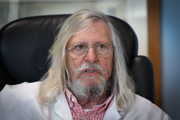 Le professeur Didier Raoult, ici dans son bureau del'IHU Méditerranée Infection,...