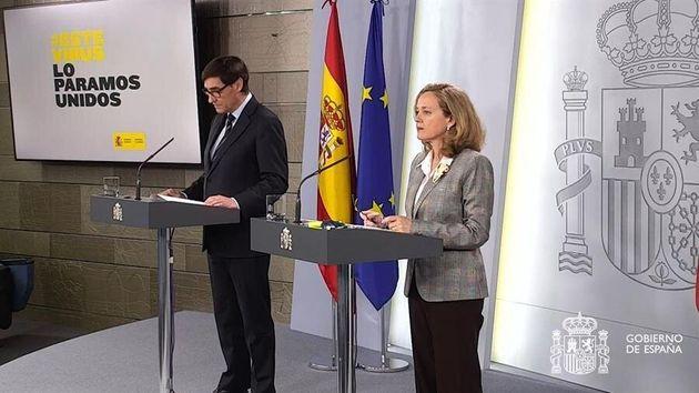 Captura de video de la señal institucional de La Moncloa, del ministro de Sanidad, Salvador Illa, y la...