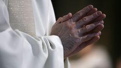 Un prêtre écope d'un rappel à la loi pour avoir célébré une messe avec 13 fidèles en