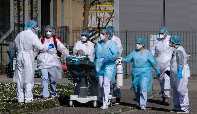 Deux nouveaux médecins sont morts du coronavirus dans l'Est de la France (Image d'illustration: le 22...